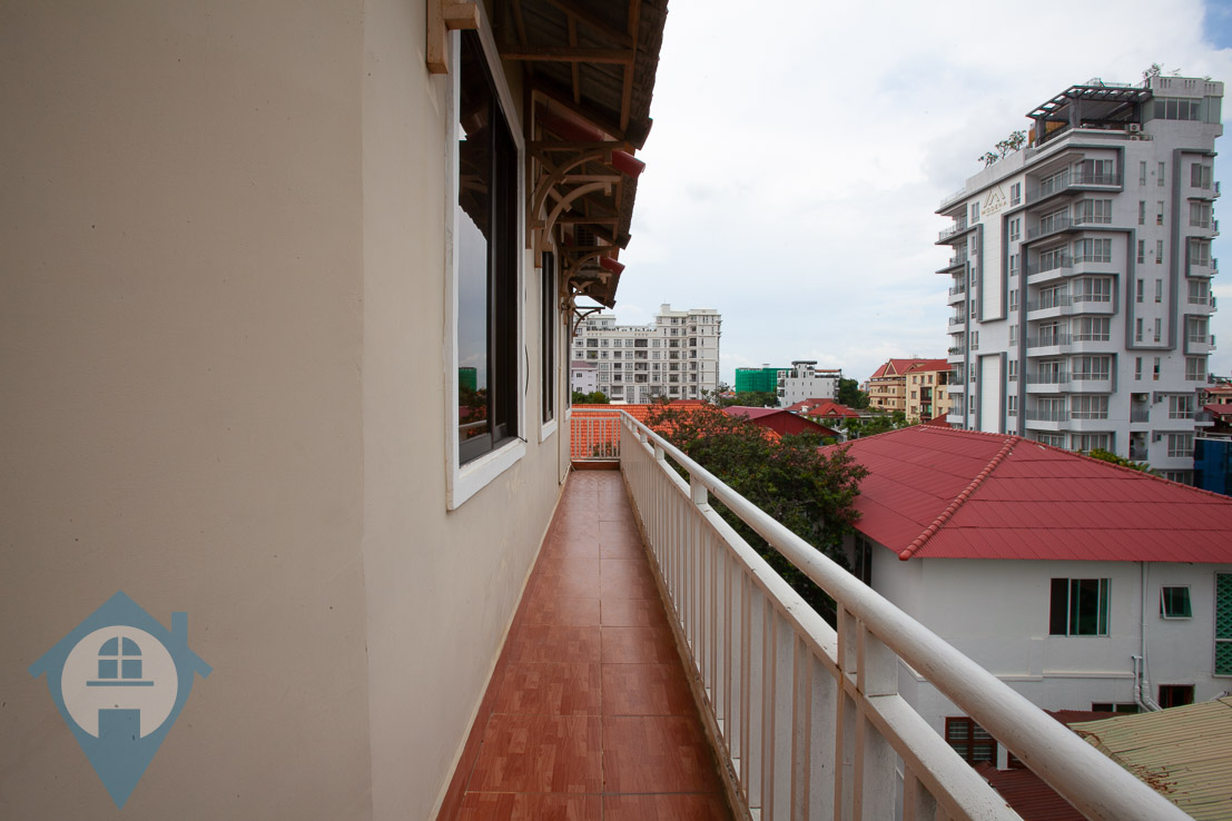 ''Spacious 2 Bedroom Apartment Near Independence Monument | Phnom Penh Real Estate''