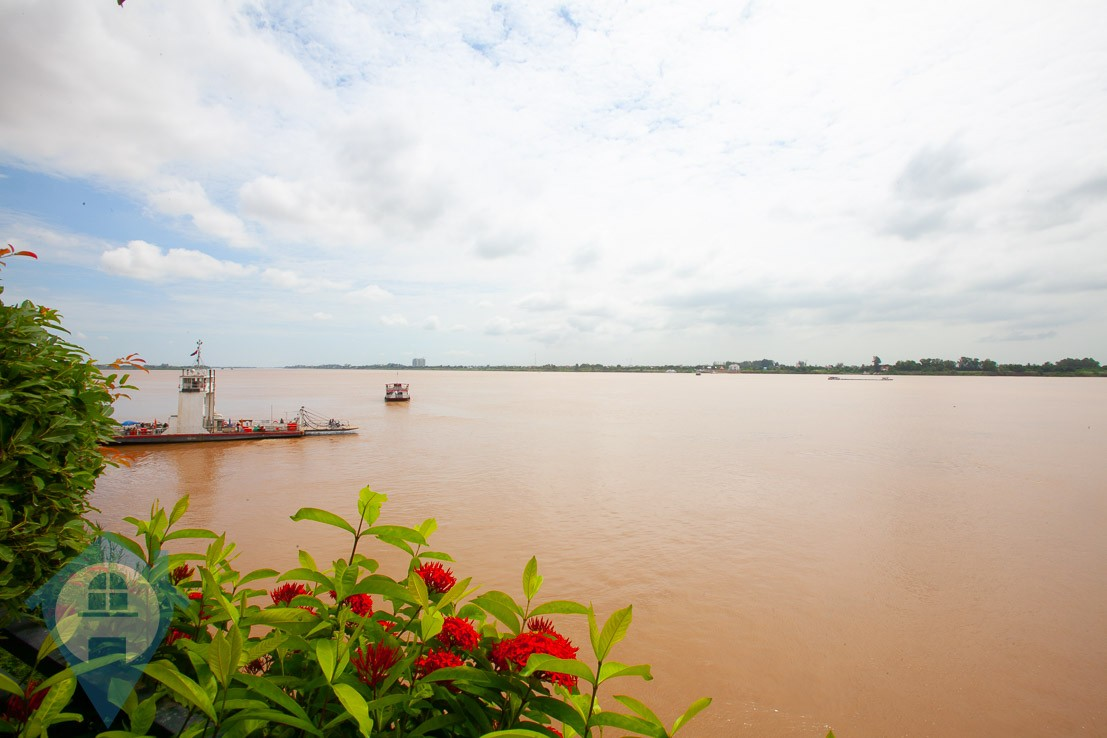 ''River Frontage 3 Bedroom Villa in Chroy Chungva | Phnom Penh Real Estate''