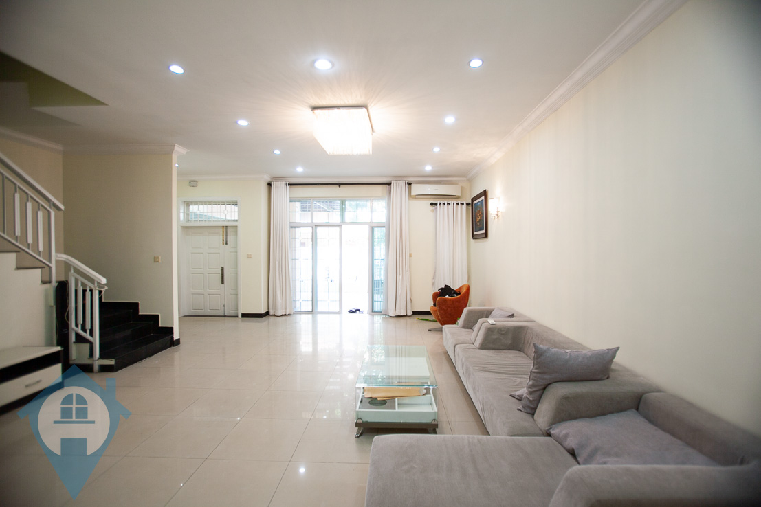 ''Family Sized 3 Bedroom Townhouse Beside Aeon Mall | Phnom Penh Real Estate''