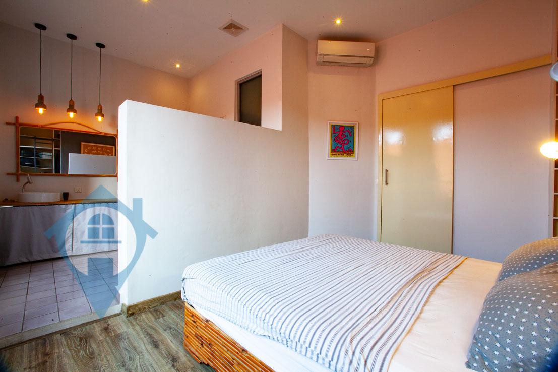 ''Beautiful 3 Bedroom Apartment Near Central Market | Phnom Penh Real Estate''